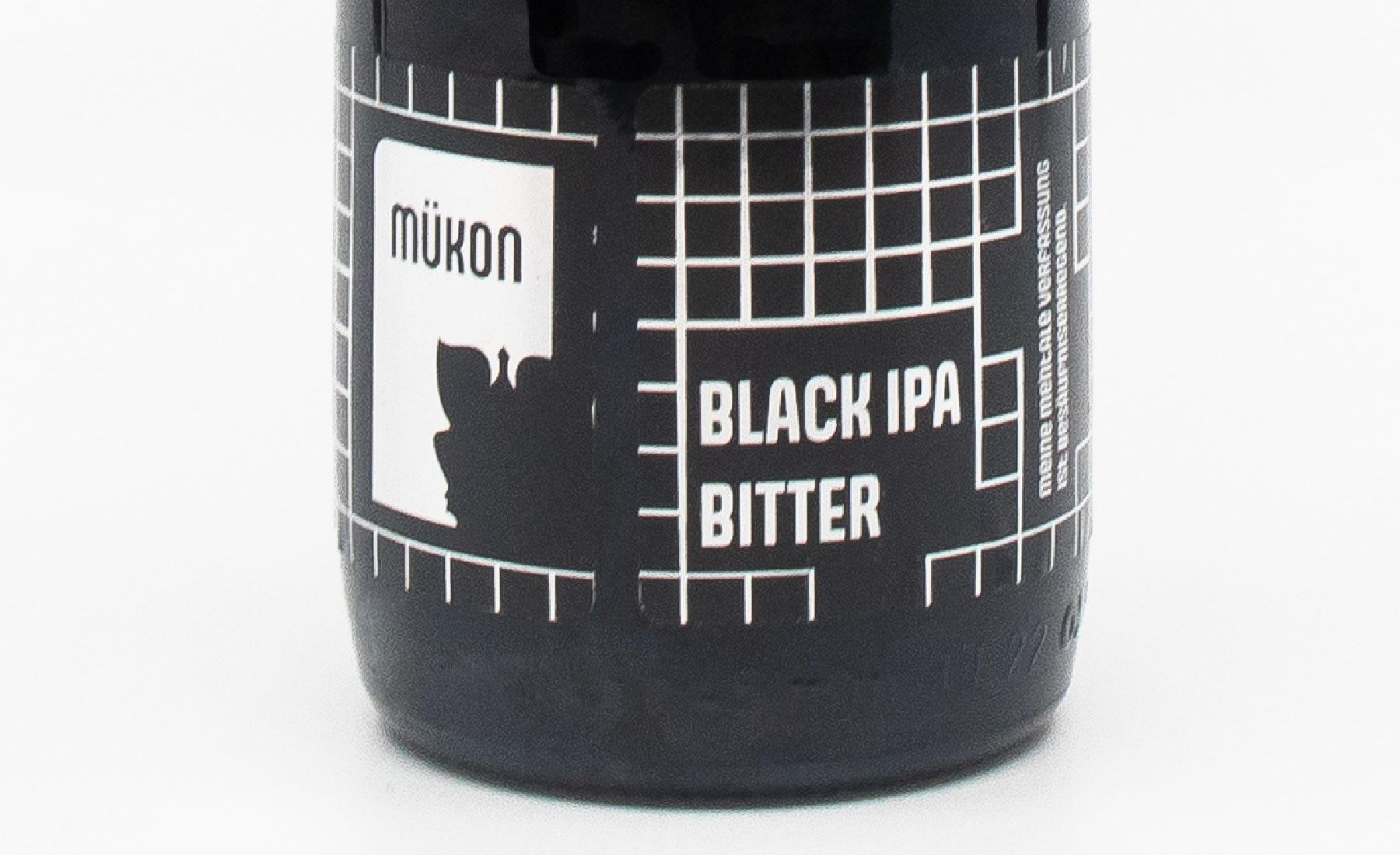 Gros plan sur l'étiquette de bière